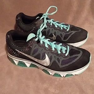 NIKE WOMAN'S MAX AIR TAILWIND 7 SNEAKERS
